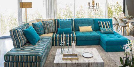 decoración salón sofá rinconera azul capri mimma gallery