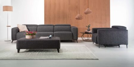 decoración salón sofá tres plazas gris y sillón hanoi mimma gallery