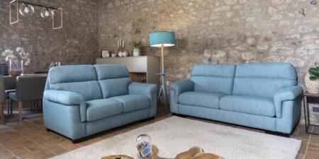 decoración salón sofás dos plazas azules sena mimma gallery